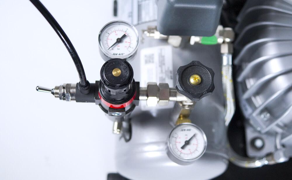 空气压缩机和真空泵